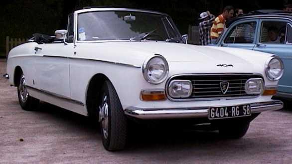 Des vieilles voitures - Vieille voiture decapotable ...